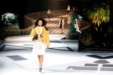 39ad834f52 La dinastia space di Louis Vuitton - MFFashion.com