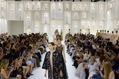 75bfa74019 Il nude look di Dior La collezione couture autunno-inverno 2018/19 ...