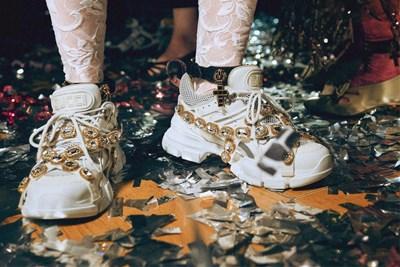 Il Natale Di Gucci Prende Vita Al Le Roi Mffashioncom
