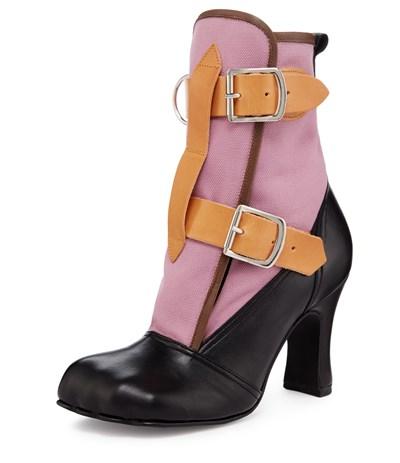 watch 5ddc1 b742d Le scarpe di Vivienne Westwood in mostra a Milano ...