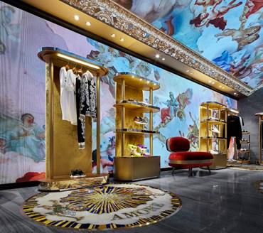 59979e512e Dolce&Gabbana festeggia il maxi opening di Roma - MFFashion.com