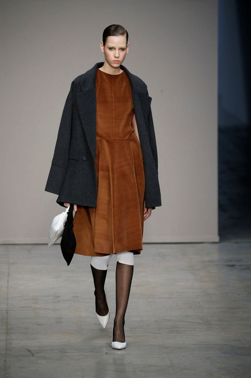 Milano Moda Donna. Autunno Inverno ... 9b2d0689f23